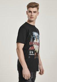Mister Tee - Print T-shirt - black - 3
