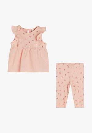 SETS - Costume - pink