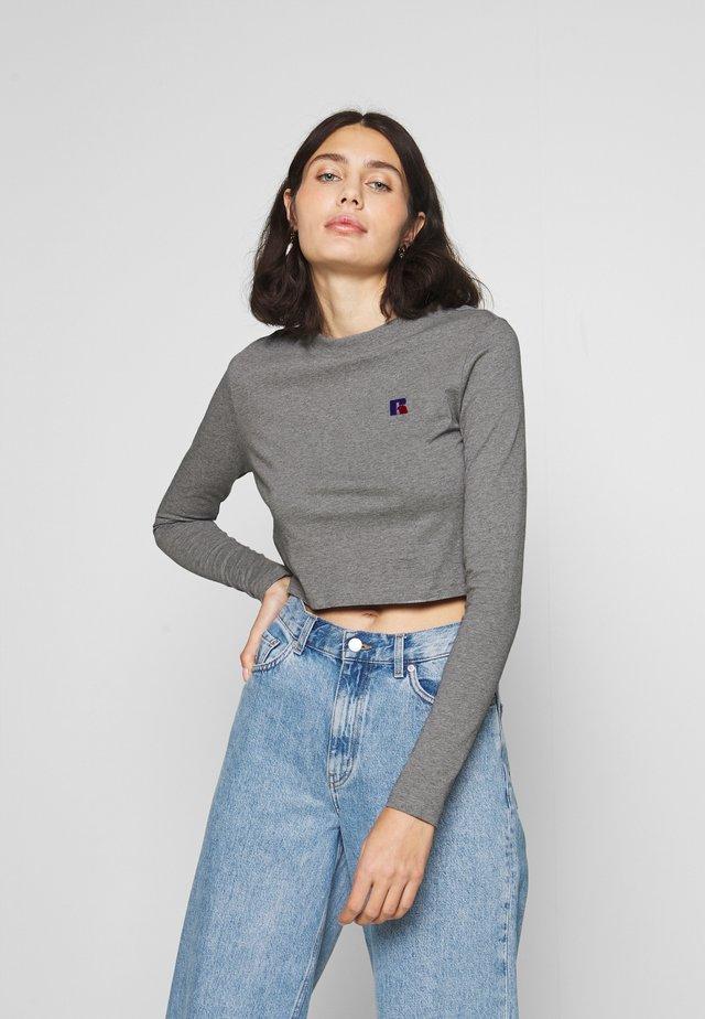 SCARLETT CROP LOGO - T-shirt à manches longues - collegiate grey marl