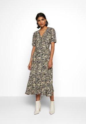 SEPHINA WRAP DRESS - Hverdagskjoler - off-white/black