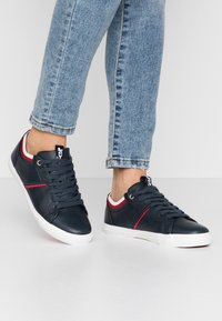 Levi's® - WOODS COLLEGE - Trainers - navy blue - 0