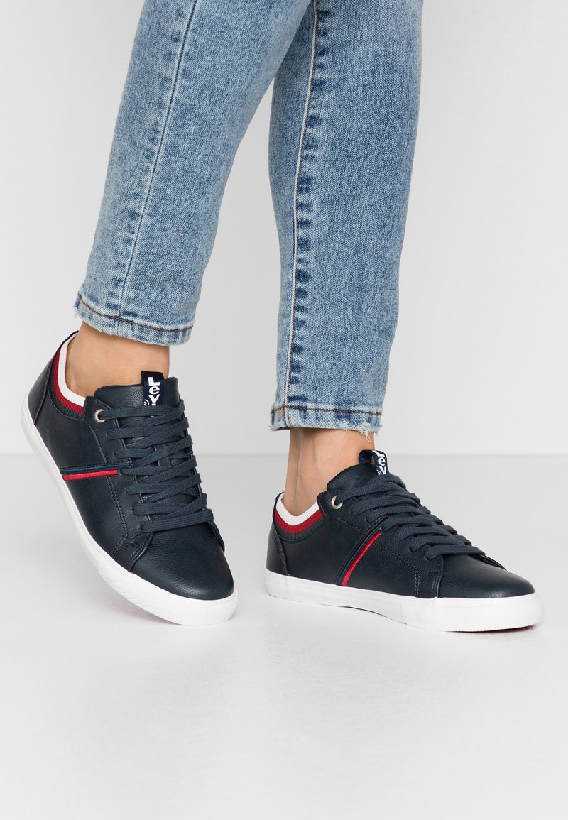 Levi's® - WOODS COLLEGE - Trainers - navy blue