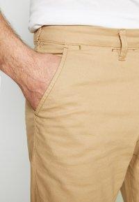 Selected Homme - SLHSLIM MILES PANTS - Chino - cornstalk - 5