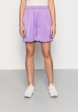 Shorts - lilac