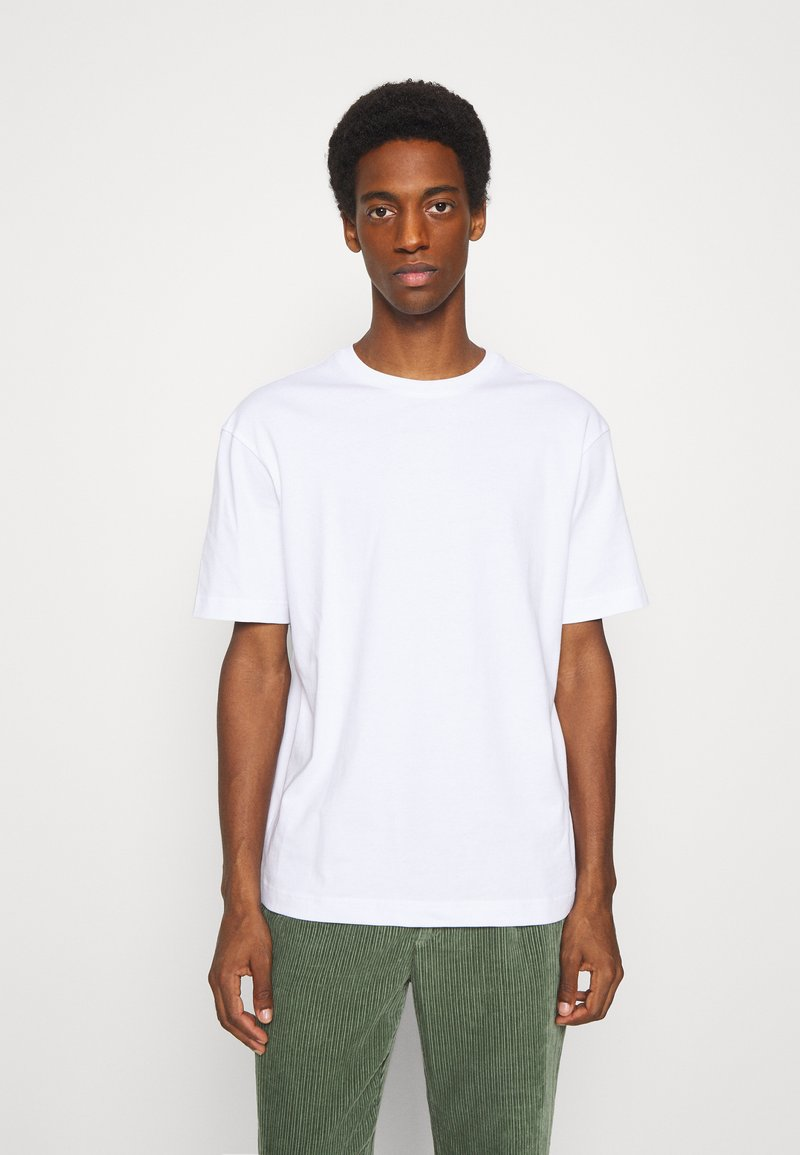 Selected Homme - SLHLOOSEGILMAN O NECK TEE - Basic T-shirt - bright white