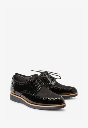 FOREVER COMFORT® BROGUE DETAIL CHUNKY SOLE LACE-UPS - Nauhakengät - black