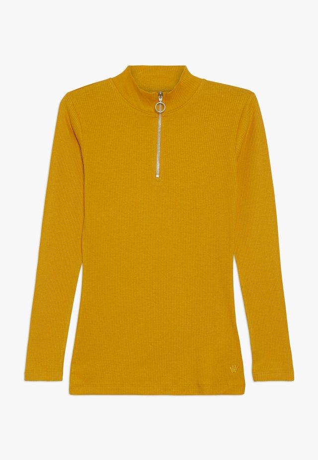 ISMA LONGSLEEVE - Langærmede T-shirts - yellow