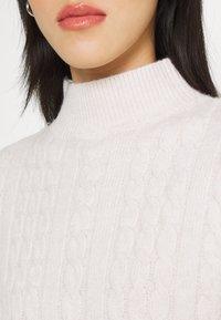 Fashion Union - JOANSIE - Gebreide jurk - cream - 5