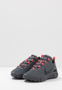 Nike Sportswear - REACT - Tenisky - dark grey/black/metallic dark grey - 2