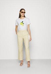 Fabienne Chapot - ROMY LIME - Print T-shirt - cream white - 1