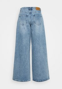 Missguided - LOW RISE BOYFRIEND - Relaxed fit jeans - light blue - 1