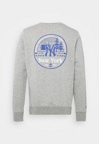 Fanatics - MLB NEW YORK YANKEESSUMMER CAMP GRAPHIC CREW - Sweatshirt - sports grey - 7
