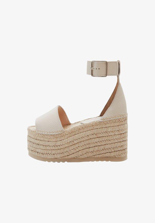 ALESSANDRA - Sandalen met sleehak - beige