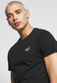 Superdry - NEON LITE TEE - T-shirt basic - black - 4
