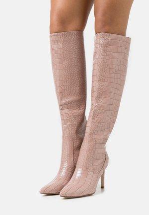 TRIBUTE - Kozačky na vysokém podpatku - pink