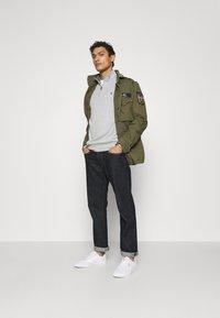 Polo Ralph Lauren - HERRINGBONE FIELD JACKET - Summer jacket - soldier olive - 1