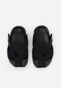 Jordan - FLARE UNISEX - Zapatillas de baloncesto - black/white - 3