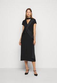 Victoria Victoria Beckham - DIAMOND DRAPE DRESS - Koktejlové šaty/ šaty na párty - black - 1