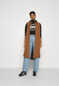 Even&Odd - Cropped Oversized Printed Hoodie - Jersey con capucha - black - 1