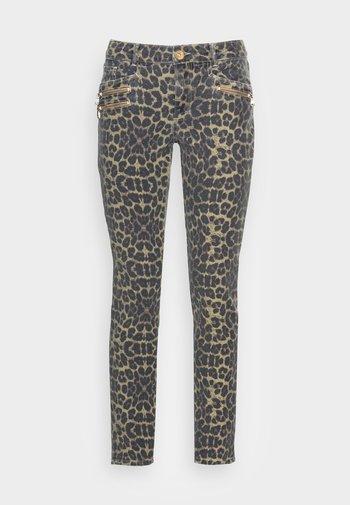 BERLIN SAVAGE JEANS - Slim fit jeans - beige