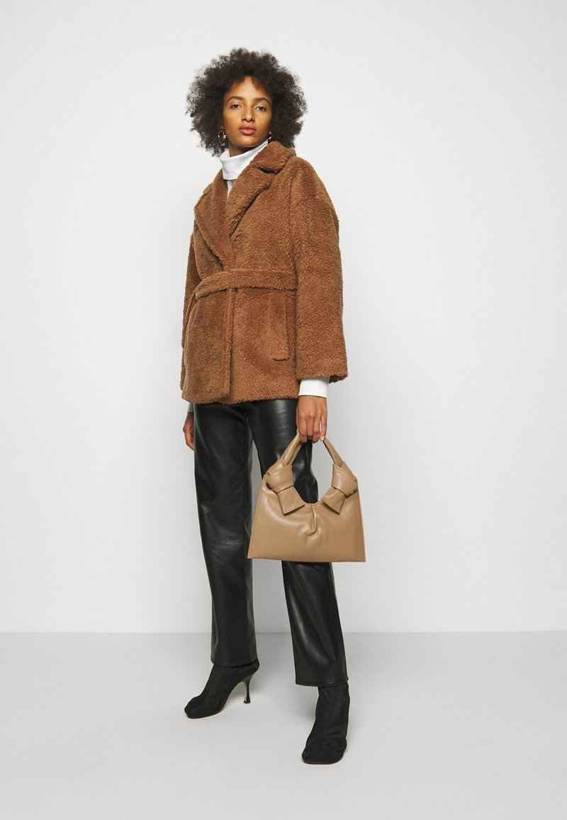 Little Liffner - KNOT EVENING BAG - Handbag - beige