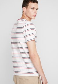 Jack & Jones - JORDYED TEE CREW NECK REGULAR FIT - Print T-shirt - cloud dancer - 2