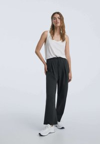 OYSHO - Pantalon classique - dark grey - 1
