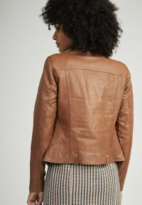 NAF NAF - CAREN - Veste en cuir - brown - 2