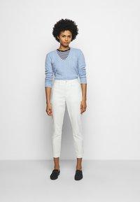 Polo Ralph Lauren - SLIM LEG PANT - Pantalones - warm white - 1