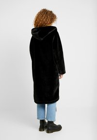 Monki - JONNA COAT - Vinterjakke - black dark - 2