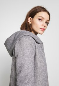 ONLY - ONLSEDONA LIGHT SHORT JACKET - Leichte Jacke - light grey melange - 3