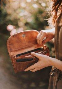 Gusti Leder - EMMA - Wallet - brown - 1