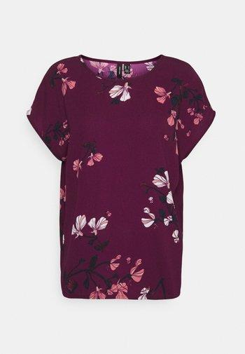 VMHALLIE NEW - T-shirts med print - dark red