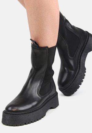 COMMAND  - Platform ankle boots - black