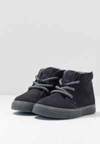 Gioseppo - Volnočasové šněrovací boty - marino - 3