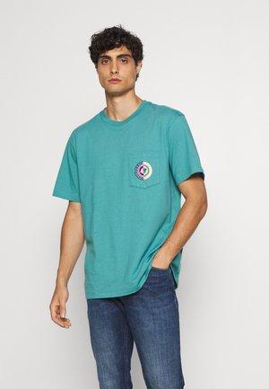 CIRCLE BACK - Print T-shirt - sea glass green
