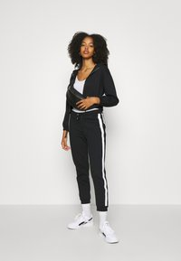 Even&Odd - CROPPED TIE HEM SWEAT JACKET - Bluza rozpinana - black - 3