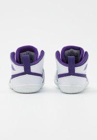 Jordan - 1 CRIB UNISEX - Scarpe da fitness - white/court purple - 2