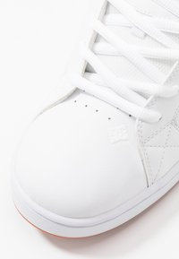 DC Shoes - NET UNISEX - Obuwie deskorolkowe - white - 5