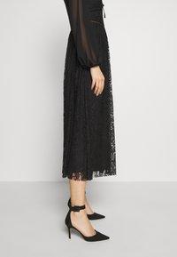 Trendyol - SIYAH - Koktejlové šaty/ šaty na párty - black - 3
