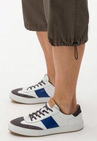 BRAX - STYLE LUCKY - Shorts - khaki - 3