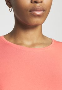Vero Moda - Basic T-shirt - salmon - 5
