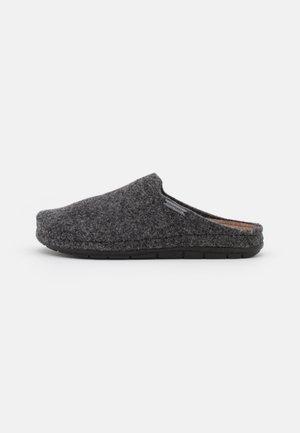 ANNSOFIE - Slippers - black