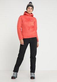 Vaude - WOMEN'S SKOMER WINTER PANTS - Outdoor trousers - black - 1