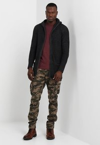 INDICODE JEANS - WILLIAM - Cargo trousers - dired - 1