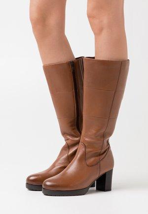 Platform boots - cognac