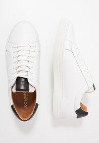 Schmoove - SPARK CLAY - Trainers - white/black - 2