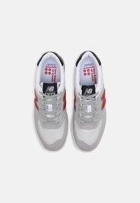 New Balance - AM425 UNISEX - Zapatillas - grey/red - 3