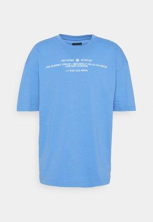 OVERSIZED UNISEX - Print T-shirt - azure blue