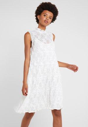 Koktejlové šaty/ šaty na párty - crystal white